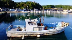同じ港の写真で広角端(25mm相当)
